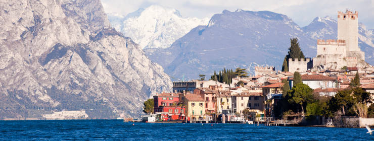 Hoteles en Lagos de Italia