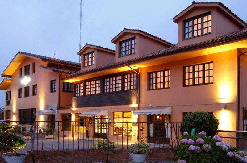 Hoteles en piedras blancas asturias trendy plaza de europa de piedras blancas capital de - Hoteles en salinas asturias ...