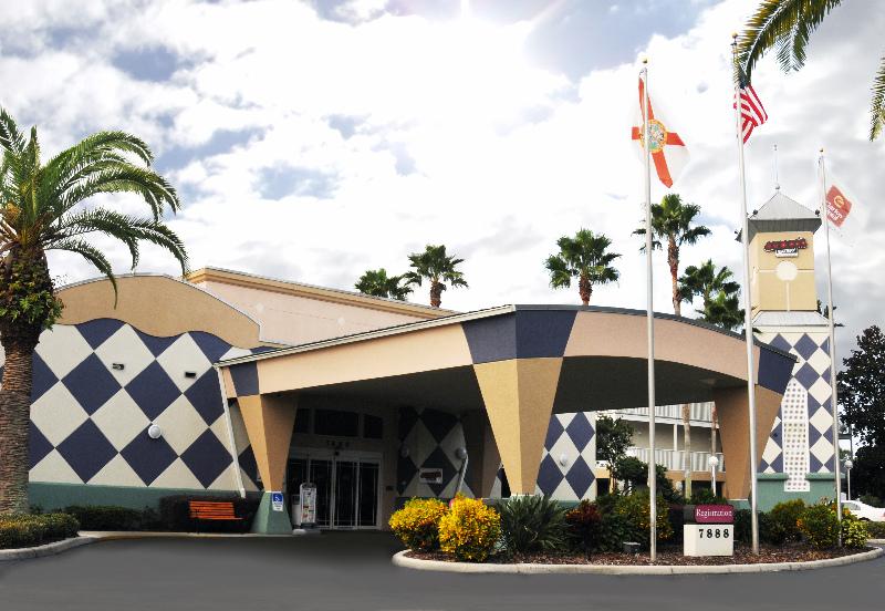 Hotel Clarion Suites Maingate