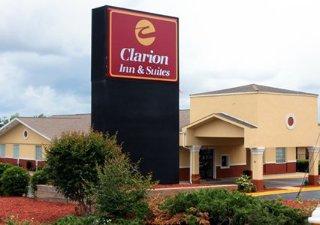 Hotel Clarion Inn & Suites Haywood Mall Area
