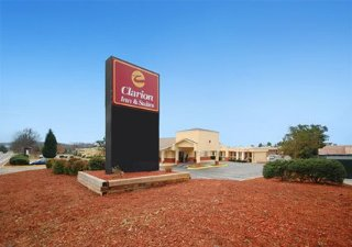 Hotel Clarion Inn & Suites Haywood Mall Area