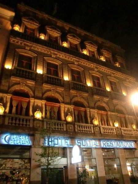 Hotel La Casa De La Luna Mexico DF Downtown Mexico City - What is the latitude and longitude of mexico city