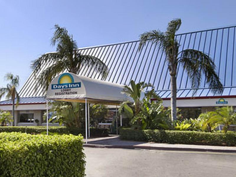 Hotel Days Inn Airport North West Palm Beach Area Fl Hotelopia