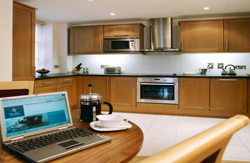 Suite Marlin Apartments Queen Street - Saint Paul\'s Cathedral ...