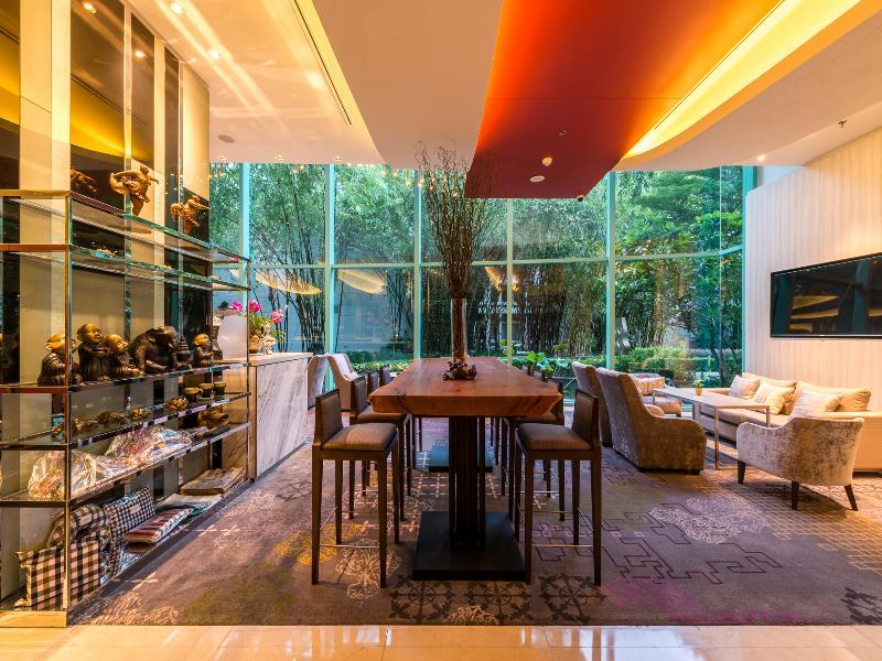 hotel riverside bangkok