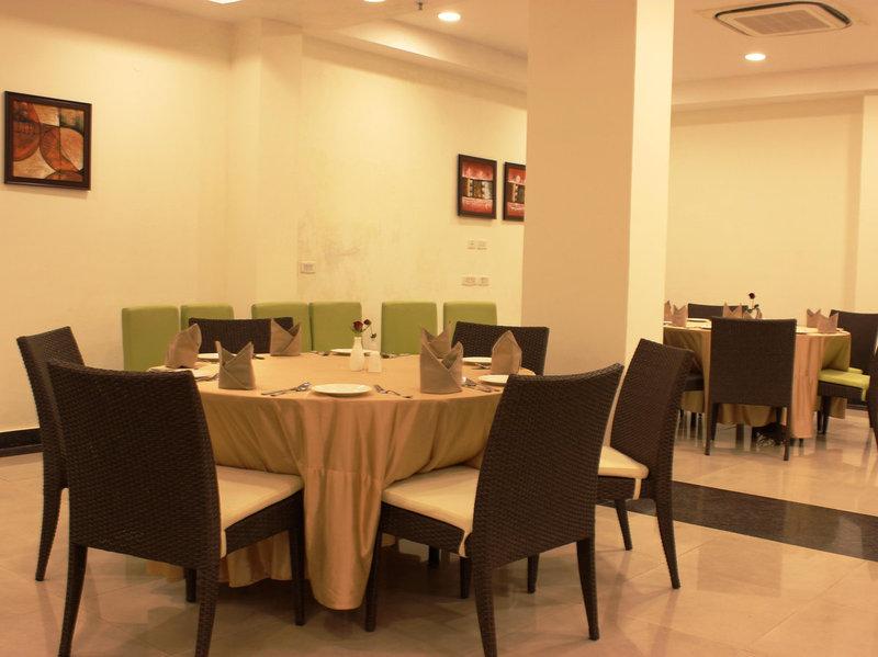 hotel tryfena delhi