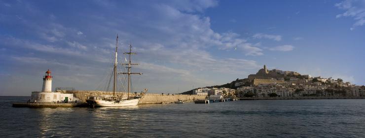 Hoteles en Puerto de Ibiza